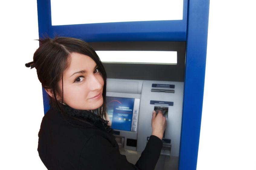 女性:ATM