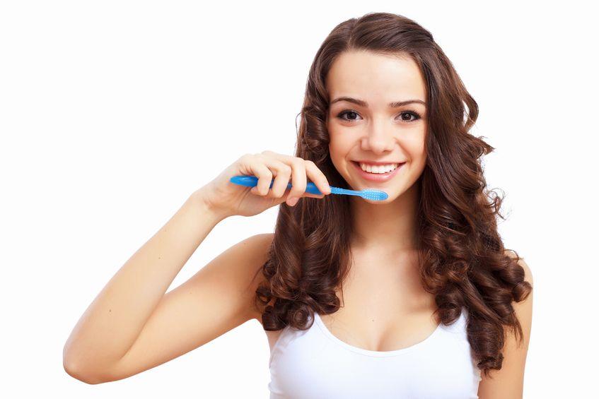 歯磨き:女性