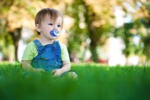 子ども:草原