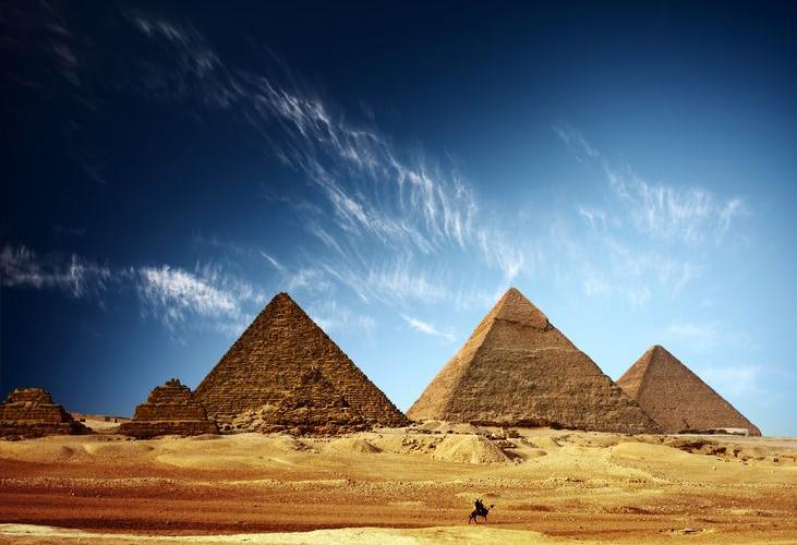 ピラミッドと歴史