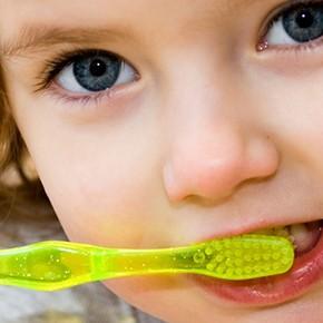 ハミガキの話(2)| 歯ブラシの当て方