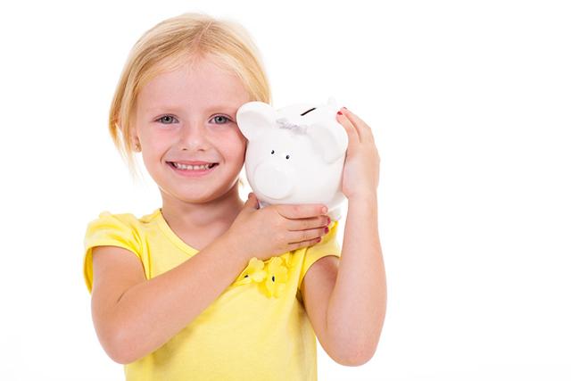 女の子:貯金箱